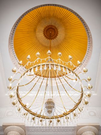 Chandelier above the Genztian staircase