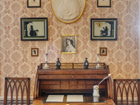 Red Salon with lady's writing desk formerly owned by Charlotte von Stein